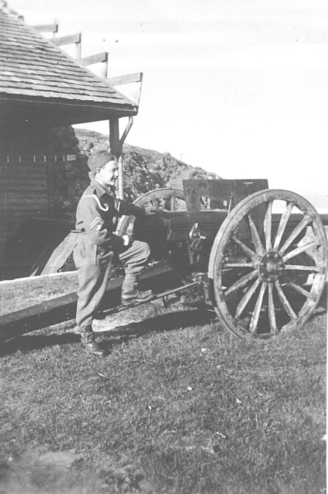 Mobilkanon, Bildedato: 1945. Foto: Robert Eichinger. Kilde: Kari Nilsen Ulland.